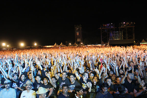 metallica bangalore concert review   Absurd History
